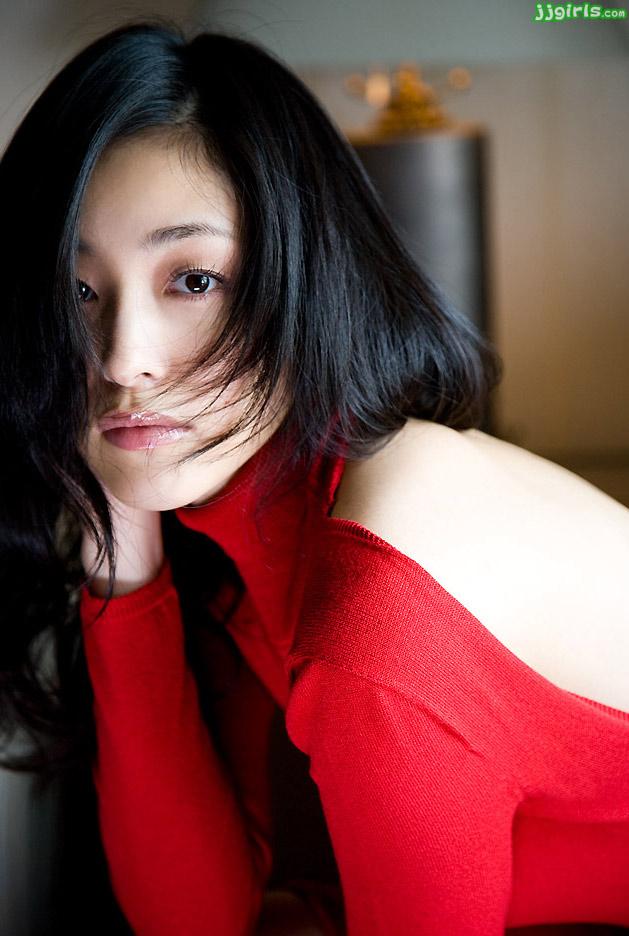tomoko-aoyama-12 (1)