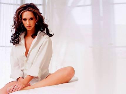 Jennifer Love Hewitt9
