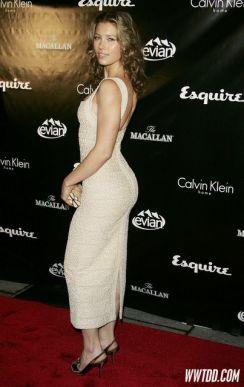 """Esquire Unveils """"Sexiest Woman Alive"""""""