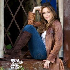 Kelly-Preston3