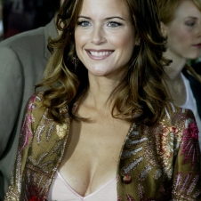 Kelly-Preston7