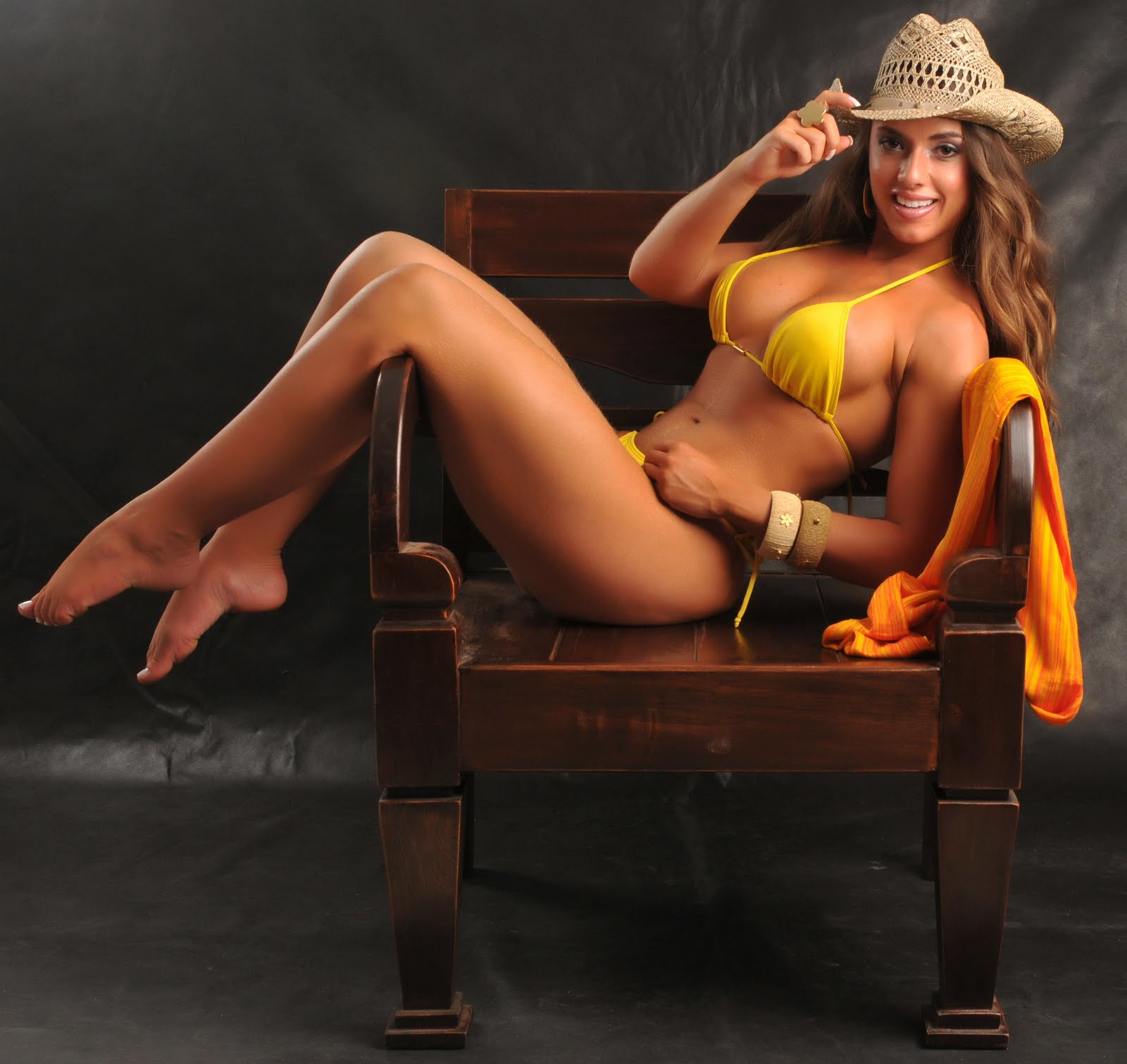 Nicole bahls hot, black booty public