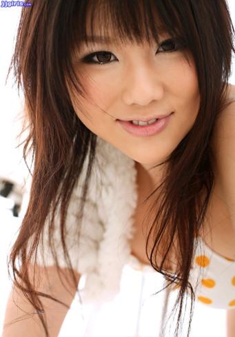 yukina-momoyama-3