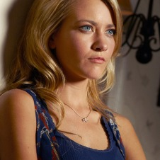 LIGHTS OUT: Meredith Hanger in LIGHTS OUT premiering Jan. 11 on FX. CR: FX.