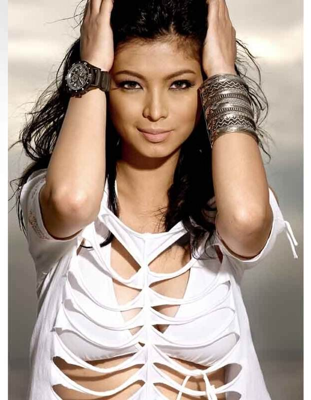 Angel Locsin2