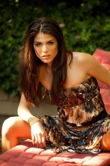 Marie Avgeropoulos 6